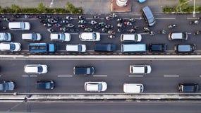 Foto aérea do tráfego hético de Jakarta na hora máxima Fotos de Stock Royalty Free