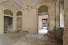 Foto abandonada velha do quarto? HDR feita de 9 exposições diferentes fotografia de stock
