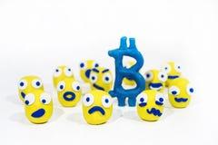 Foto abstracta con los smiley amarillos hechos de la arcilla del juego Foto de archivo libre de regalías