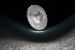 Foto abstrata do bitcoin no fundo do mar imagens de stock