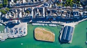 Foto aerea del centro urbano e del porto di Le Croisic Immagini Stock