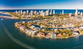Foto aerea del paradiso e di Southport dei surfisti sulla Gold Coast Fotografie Stock Libere da Diritti