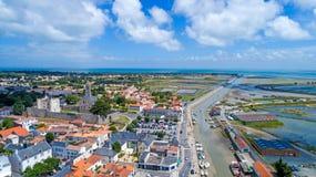 Foto aerea dell'en l villaggio di Noirmoutier del ile del ` Immagini Stock Libere da Diritti