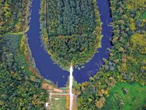 Foto aerea di un fiume in Ungheria fotografia stock libera da diritti