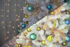 Foto antes e depois do processo de edição da imagem Árvore de Natal Fotos de Stock