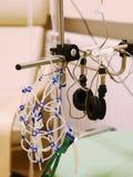 Foto ascendente cercana del electroencefalógrafo fotografía de archivo libre de regalías
