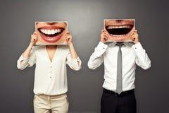 Foto av att skratta glatt par Royaltyfri Fotografi
