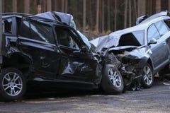 Foto av bilar som är involverade i en sammanstötning eller en krasch arkivbilder