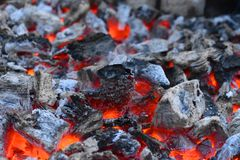 Foto av brinnande kol foto av brinnande kol arkivbild