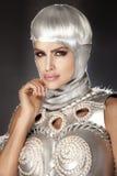 Foto av den härliga kvinnan med vitt hår. Royaltyfri Bild