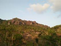 Foto av detta berg kan användas som ett begrepp av landskap för naturliga tidskrifter royaltyfri foto
