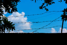 Foto av en blå himmel med moln Arkivbilder