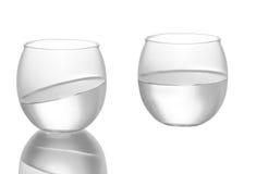 Foto av ett exponeringsglas, som ser som en fisk, guldfiskskål Arkivfoto