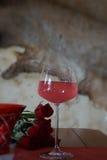 Foto av exponeringsglas med vin arkivfoto
