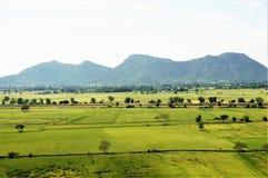 Foto av fälten av det Thailand landskapet av Kanchanaburi Arkivbild