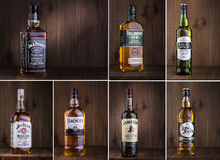 Foto av flaskan av whisky royaltyfria foton