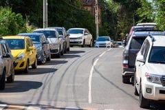 Foto av parkerade bilar royaltyfria foton