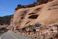 Foto av vägen till Mesa-berg i Colorado Arkivfoton