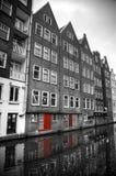 Foto in bianco e nero con gli elementi di rosso Immagine Stock Libera da Diritti