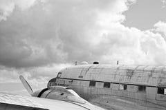 Foto in bianco e nero dell'uccello di guerra Immagini Stock Libere da Diritti