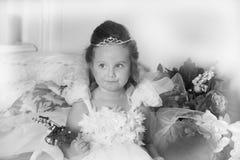 Foto blanco y negro de una princesa joven Imagenes de archivo