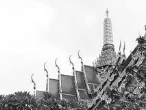 Foto blanco y negro hermosa y clásica del templo tailandés Fotografía de archivo libre de regalías