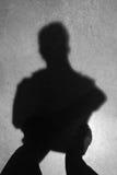Foto borrada, imagem obscura, pessoa da sombra fotografia de stock