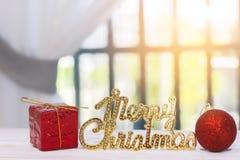 Foto común: Feliz Navidad y evento de la Feliz Año Nuevo en la madera Foto de archivo libre de regalías