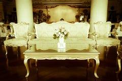 Foto común - sitio y sala de estar magníficos de lujo de Dinning Fotos de archivo