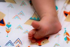 Foto con le gambe dei bambini fotografia stock