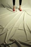 Foto conceptual que hace publicidad de calzado Fotos de archivo