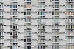 Foto conservada em estoque da fachada da construção moderna residencial ou do hotel fotografia de stock