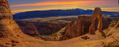 Foto conservada em estoque da formação de rocha vermelha, parque nacional dos arcos Imagem de Stock