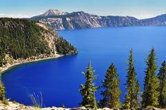Foto conservada em estoque: A vista bonita do lago crater Imagens de Stock
