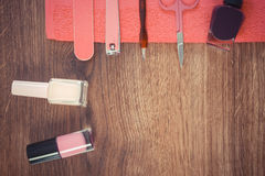 Foto, cosméticos y accesorios del vintage para la manicura o la pedicura, concepto del cuidado del clavo, espacio de la copia par Foto de archivo libre de regalías