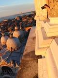 Foto da basílica di San Marco do Campanile do ` s de St Mark em Veneza Fotografia de Stock