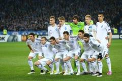 Foto da equipe de Kyiv do dínamo antes de um círculo da liga do Europa do UEFA da segundo harmonia do pé 16 entre o dínamo e o Ev Imagem de Stock