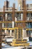 Foto da suficiência o molde com construção da coluna e da barra imagens de stock royalty free