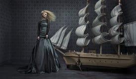 Foto das belas artes de uma senhora bonita foto de stock royalty free