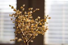 Foto, das einen künstlichen Orangenbaum zeigt Stockfotos