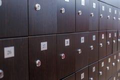 Foto de armarios verdes en el cuarto Imágenes de archivo libres de regalías