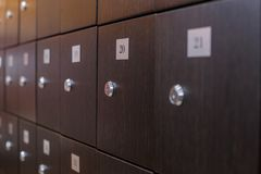 Foto de armarios verdes en el cuarto Fotos de archivo libres de regalías