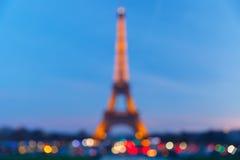 Foto de Bokeh da torre Eiffel na noite em Paris Imagem de Stock Royalty Free