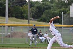 Foto de la acción del juego de béisbol fotos de archivo