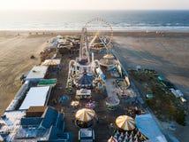 Foto de la antena del parque de atracciones Imagen de archivo libre de regalías