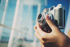 Foto de la ciudad del verano por la cámara foto de archivo