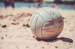Foto de la foto de la pelota de playa de Sun fotos de archivo libres de regalías