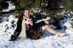 Foto de la mujer en nieve Fotos de archivo