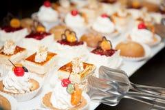 Foto 13 de la torta de la recepción de comida fría del restaurante Imágenes de archivo libres de regalías