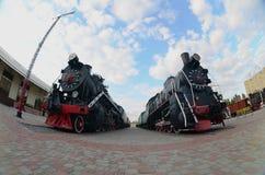 Foto de locomotivas de vapor pretas velhas da União Soviética A distorção forte do fisheye len foto de stock royalty free